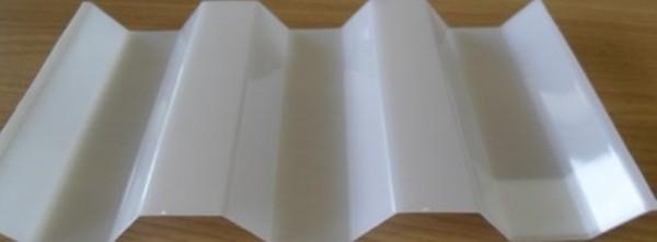 0,9 mm PC-Spundwandplatten opal oder glashell